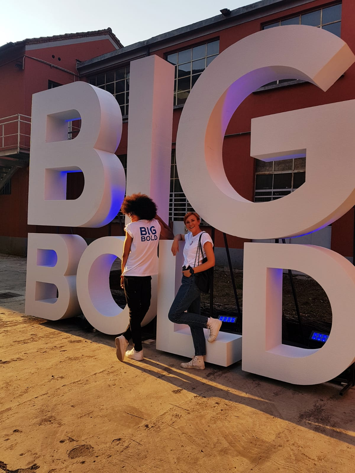SWATCH BIG BOLD PARTY
