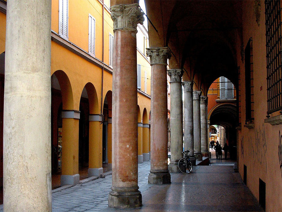 2 ragazze a Bologna