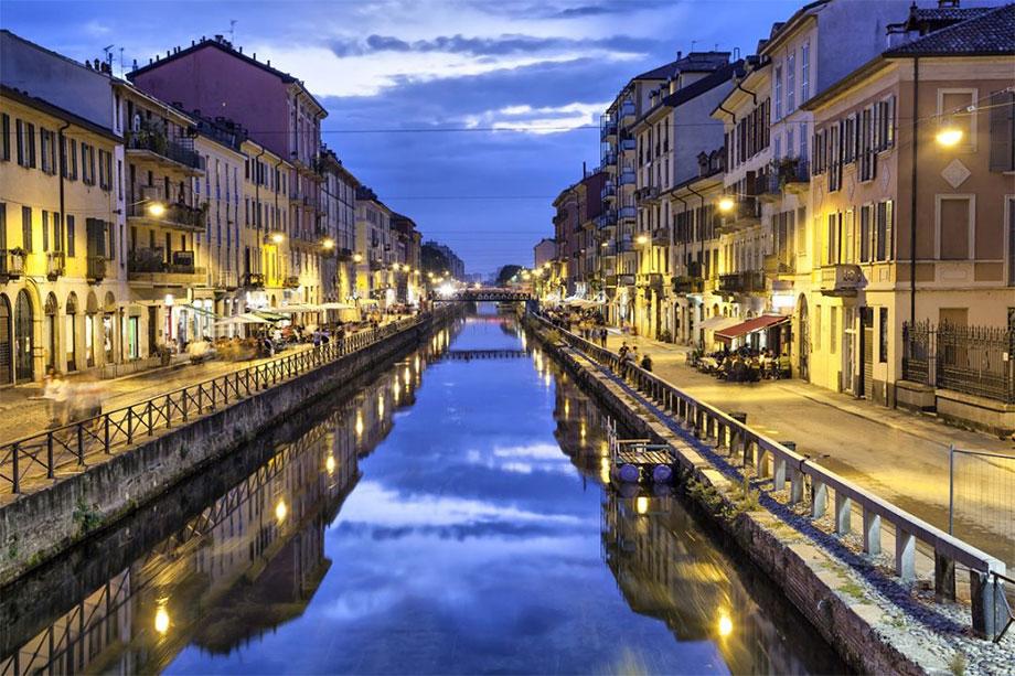 2 promoter spigliate a Milano, zona NAVIGLI e DARSENA
