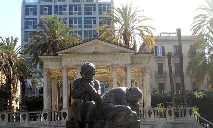 4 ragazze/i a Palermo